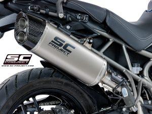 TRIUMPHTIGER 800 (2017 – 2020) – XR – XC – XCa – XCx – XRx – XRT<br>Silenciador Adventure, Titanio, con tapa de fibra de carbono